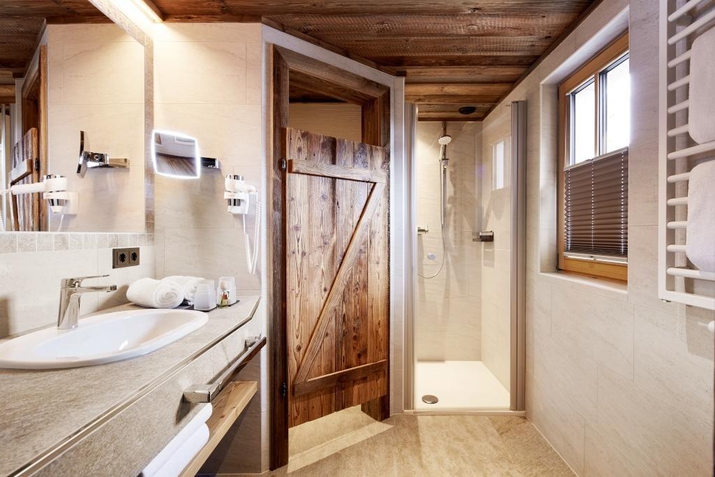 Premium Chalet Tauernlodge Im Pongau ... 5 Badezimmer En Suite .