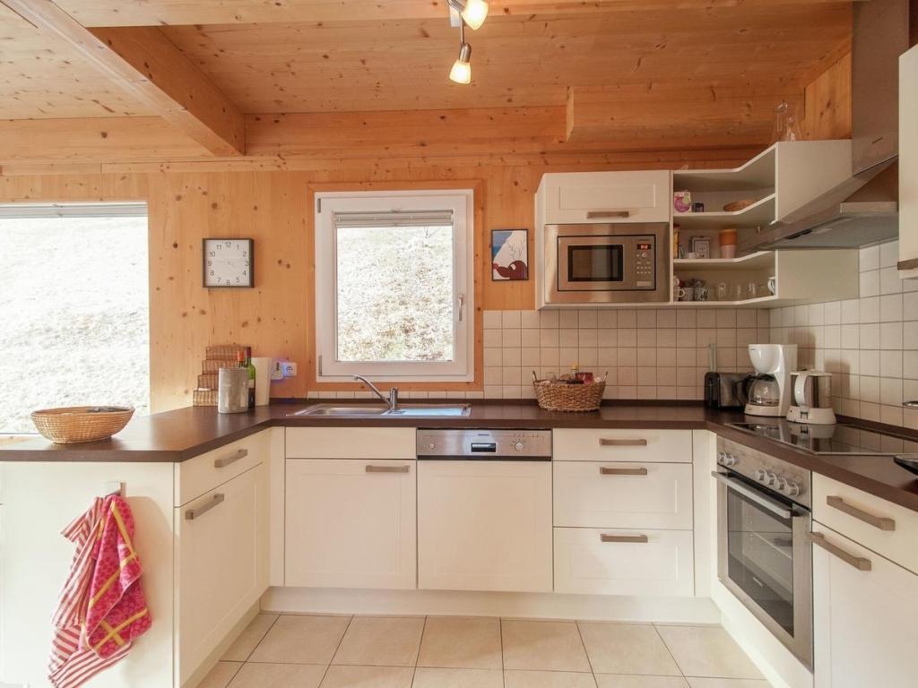 Fantastisch Kücheninseln Mit Ablage Darunterliegend Fotos ...