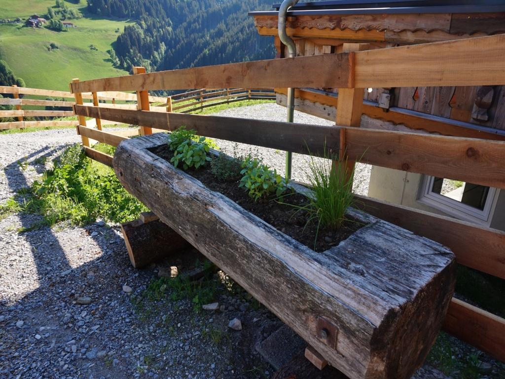Outdoor Küche Hofer : Hofer aste tuxer alpen almhütte für personen mieten