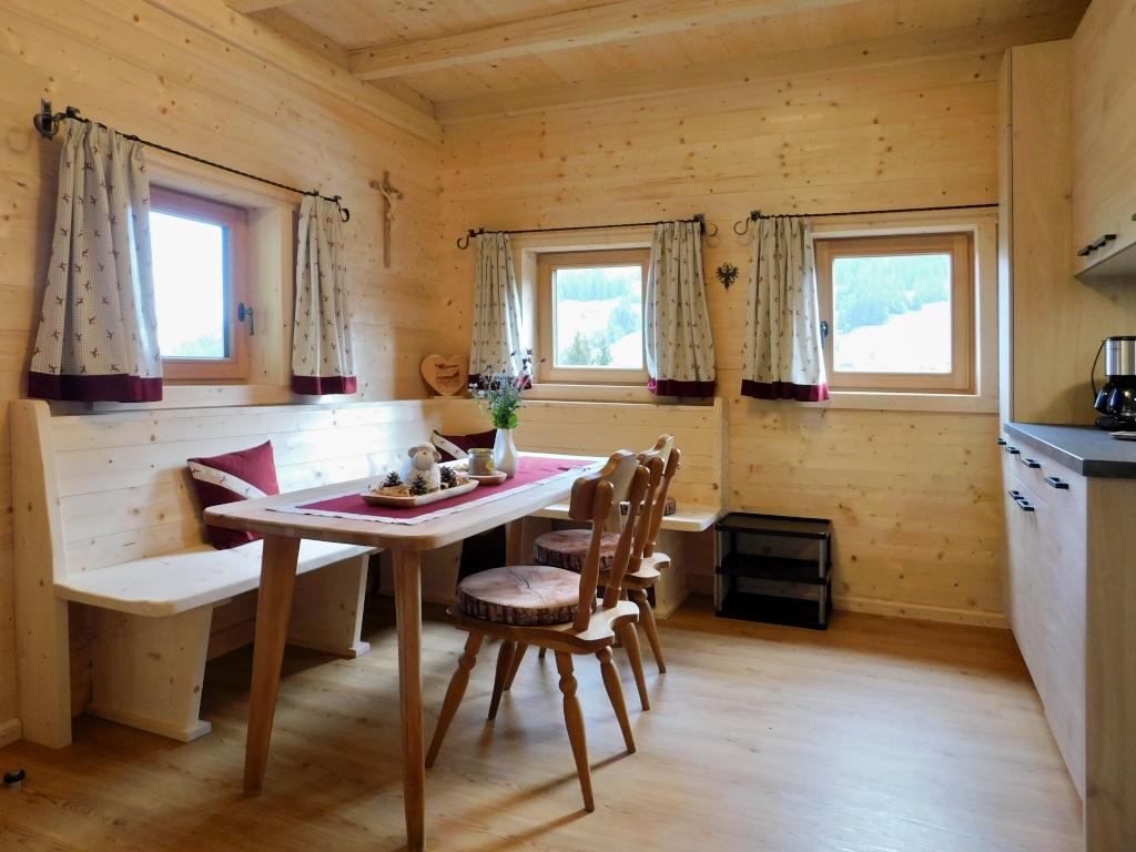 Kleiner Kühlschrank Hofer : Hofer aste tuxer alpen almhütte für personen mieten