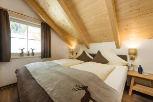 Hagan Lodges Alpine Comfort plus ... komfortable 2 Doppelzimmer (King-Size-Betten)