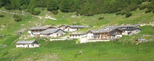 Mountain Suite Junior Südtirol ... zB. zum Almdorf Vallming, 2,1 km